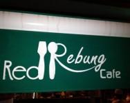 Red Rebung Cafe makan sambil beramal