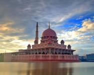 Golongan insan yang terpilih, ALLAH cintai mereka yang hidupkan masjid
