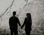 Ini Sebab Mengapa Pasangan Bahagia Tak Tayang Kebahagiaan Di Media Sosial