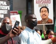 Seorang Lagi Lelaki Kulit Gelap Dibunuh Oleh Polis